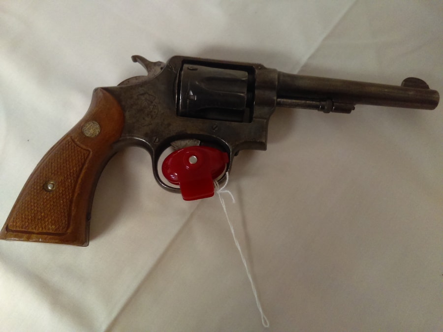 SMITH & WESSON 32
