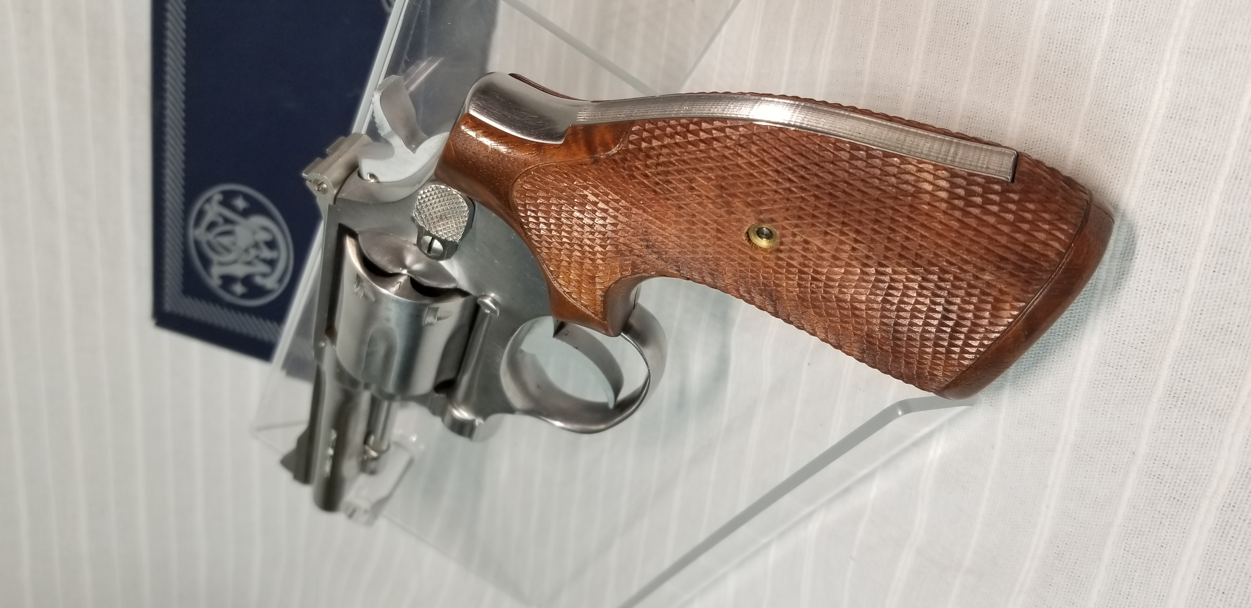 SMITH & WESSON 67