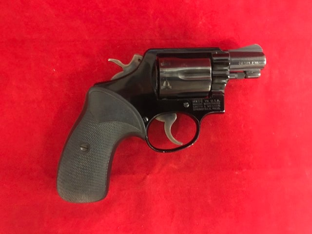 SMITH AND WESSON 12