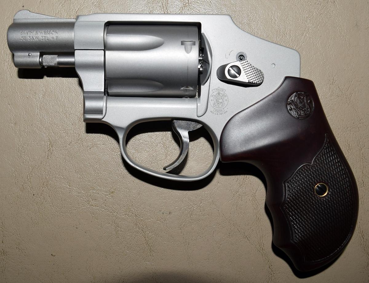 SMITH & WESSON M642