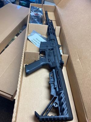 ZAVIAR Z-15 AR-15 RIFLE