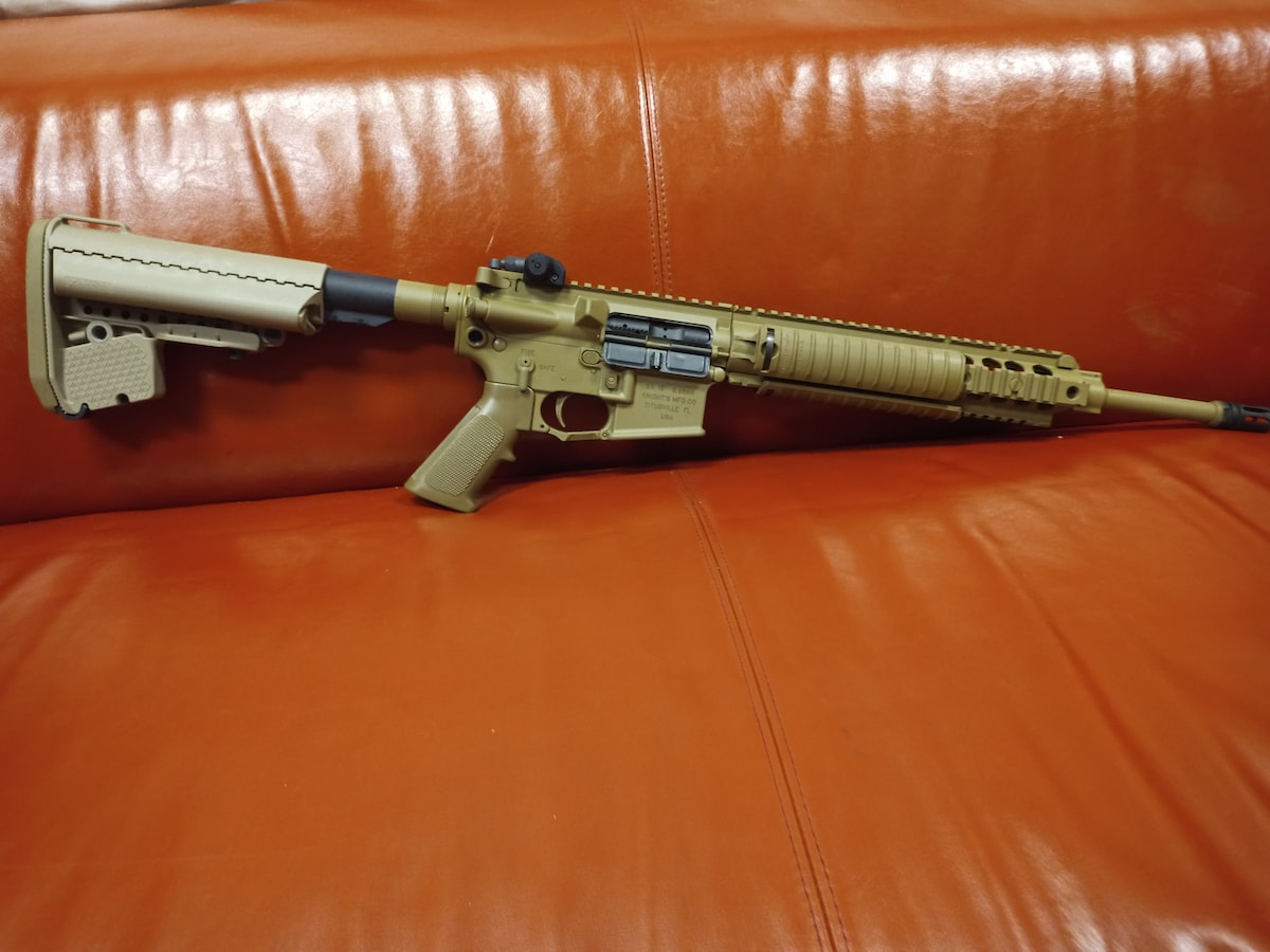 KNIGHTS ARMAMENT SR15 Taupe Legacy
