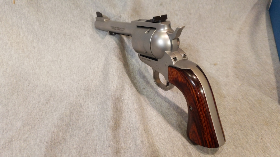 FREEDOM ARMS 83 Field Grade