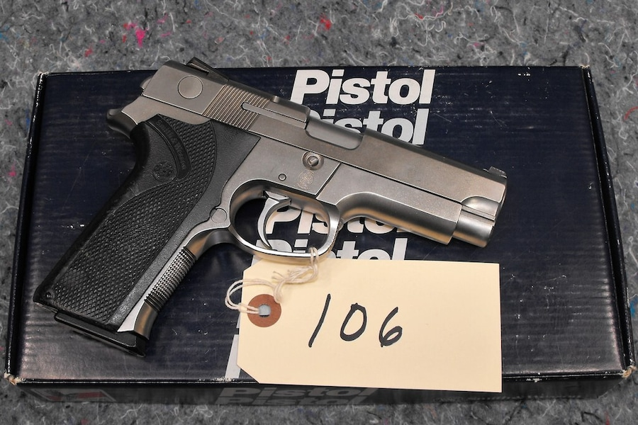 SMITH & WESSON 4046