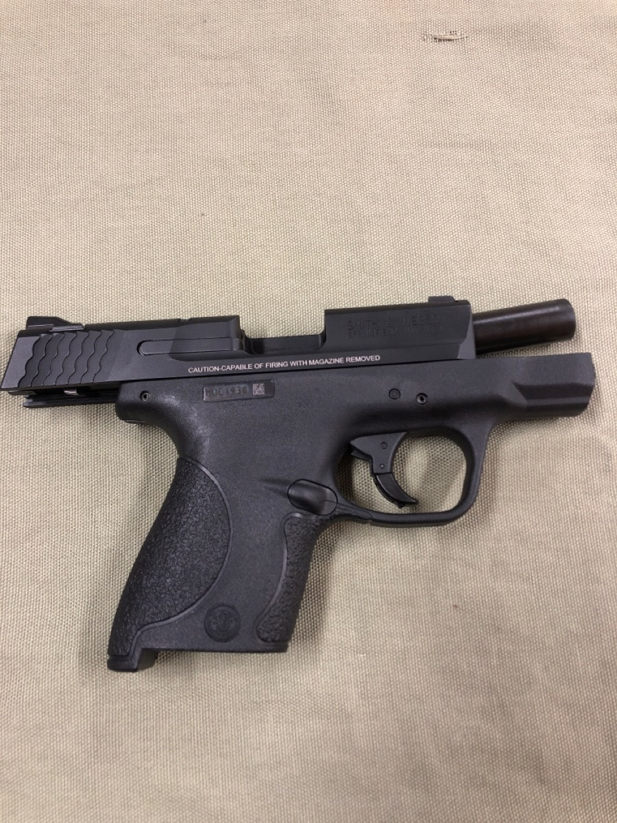 SMITH AND WESSON M&P 9 Shield