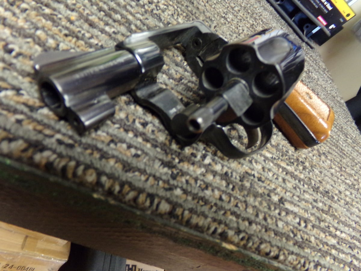 SMITH & WESSON MODEL 36