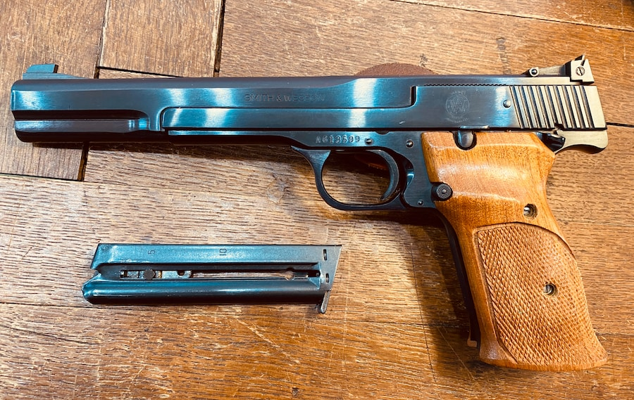 SMITH & WESSON 41