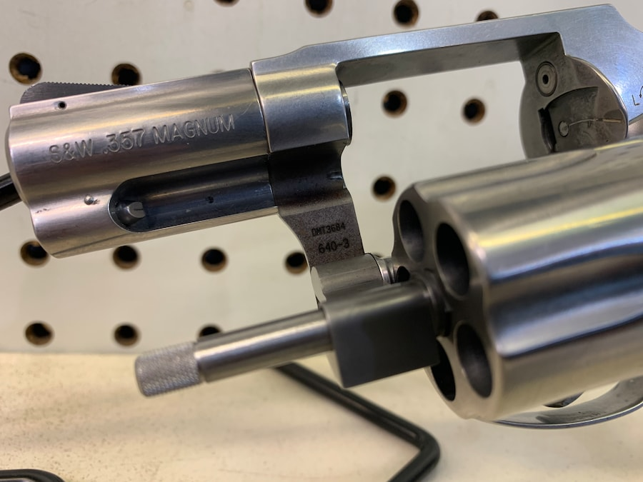 SMITH & WESSON MODEL 640-3