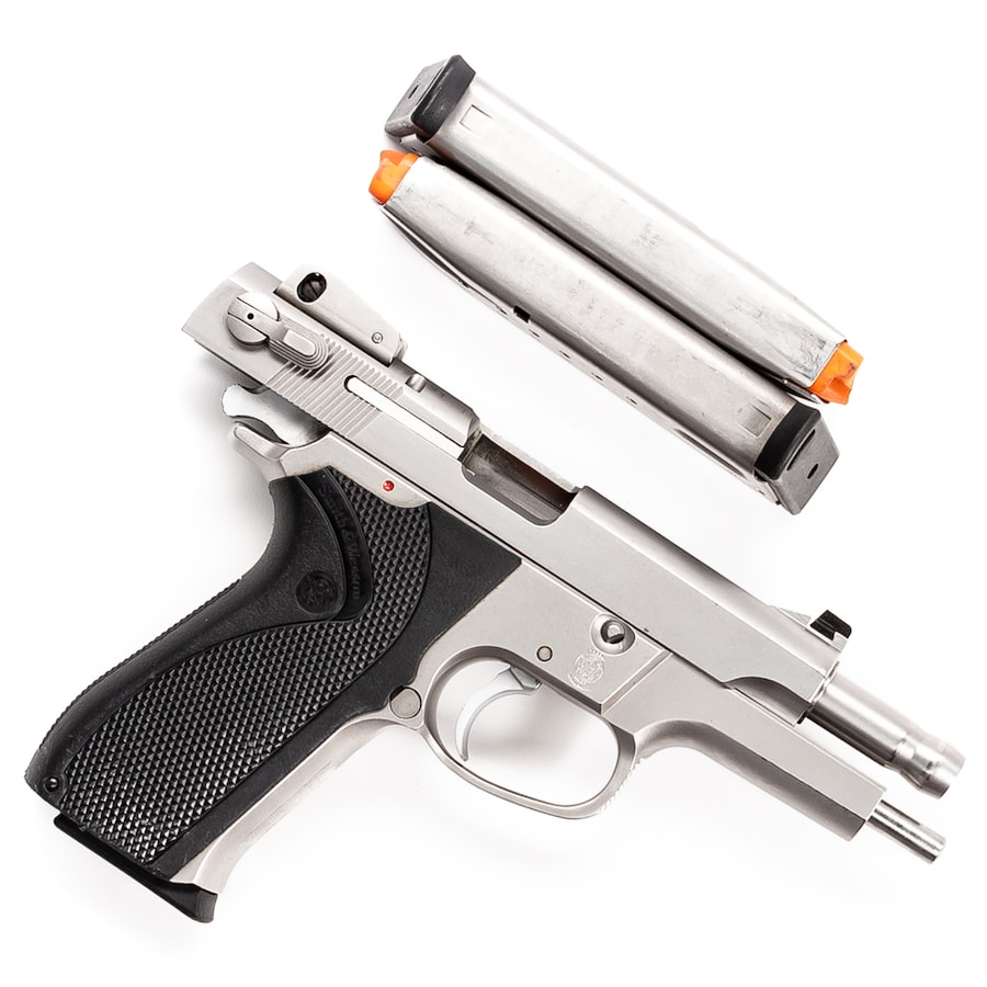 SMITH & WESSON 5906