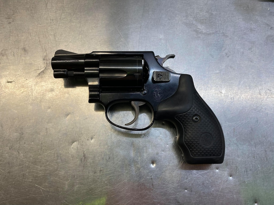 SMITH & WESSON m37