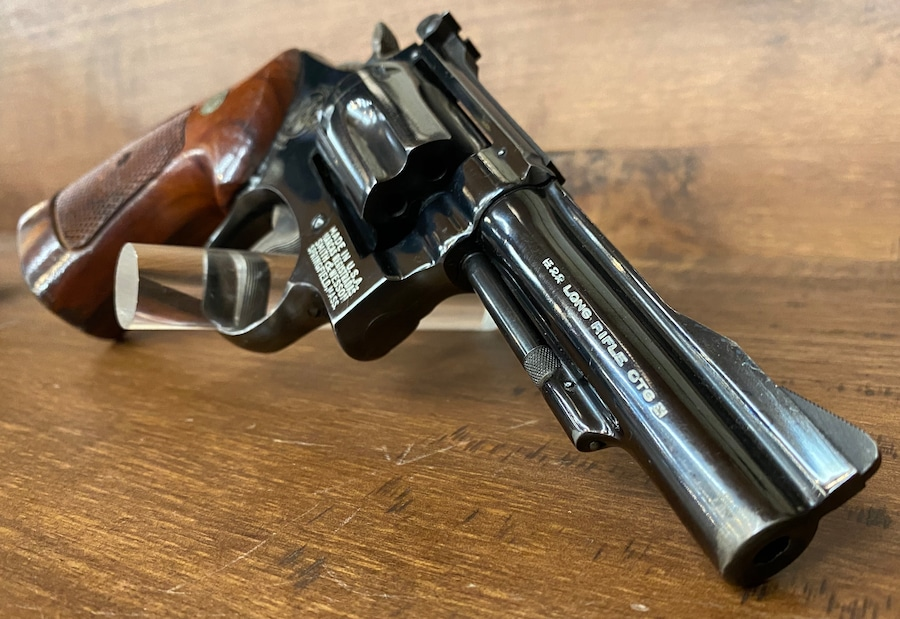 SMITH & WESSON 18