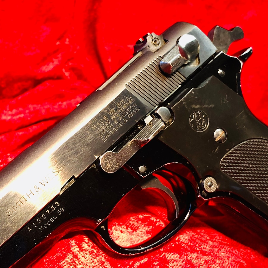 SMITH & WESSON MODEL 59 CLASSIC 9MM METAL PISTOL