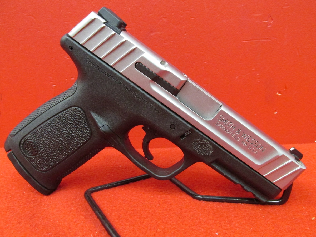 SMITH & WESSON SD40VE