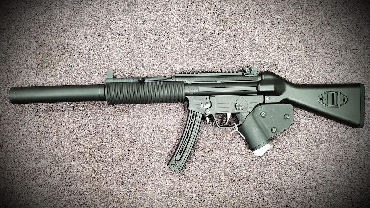 """GSG GERMAN SPORTS GUNS FEATURELESS HK MP5 CLONE GSG-522 - 22 LR - 10-ROUNDS - 16 """""""
