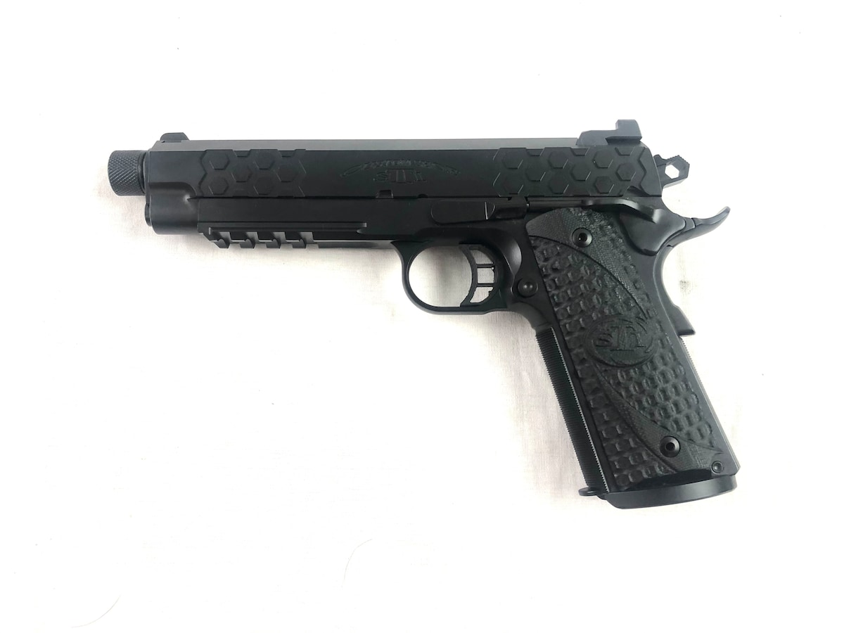 STI INTERNATIONAL HEXTAC Custom 1911
