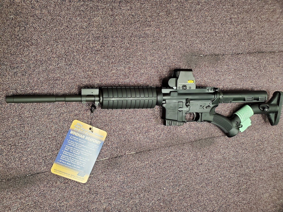 """WINDHAM WEAPONRY Windham Weaponry """"SRC-THD"""" New York Compliant with red dot sight"""