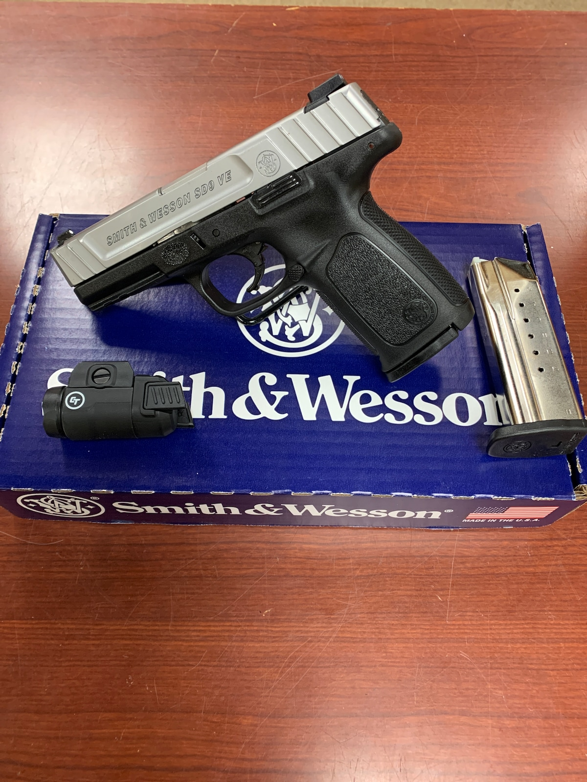 SMITH & WESSON sd9ve crimson trace rail light 13050