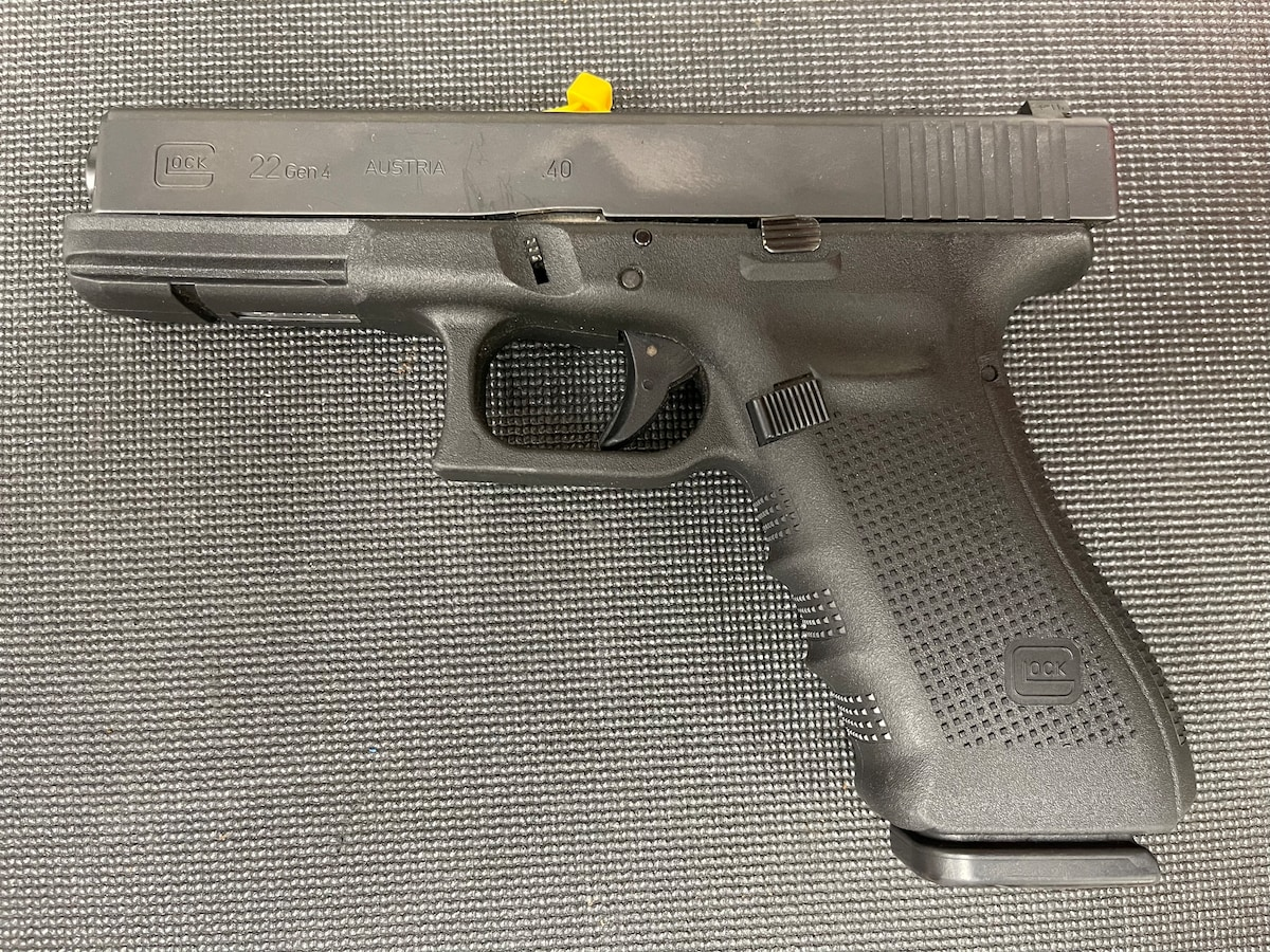 GLOCK 22 G22 GEN 4 (Night Sights)