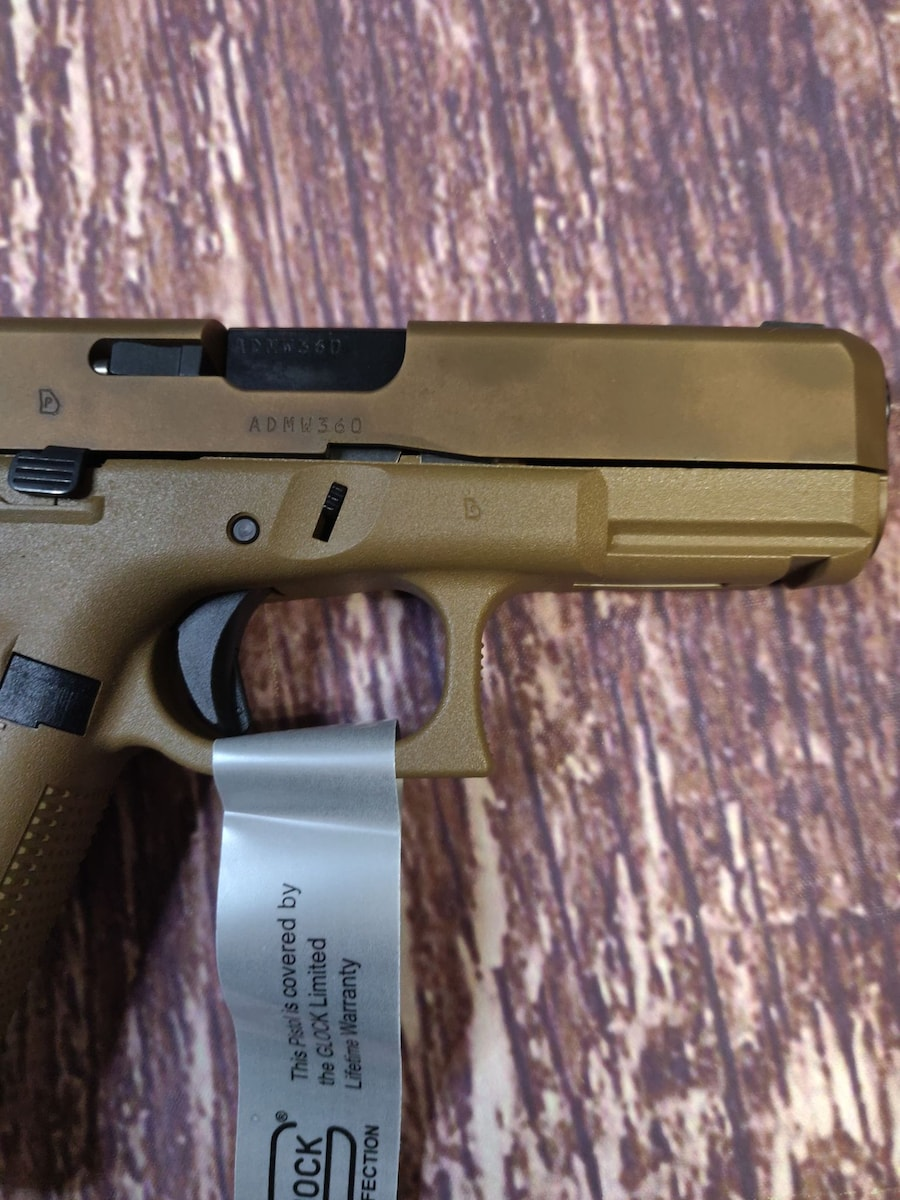 GLOCK Glock 19x G19x FDE Factory reconditioned