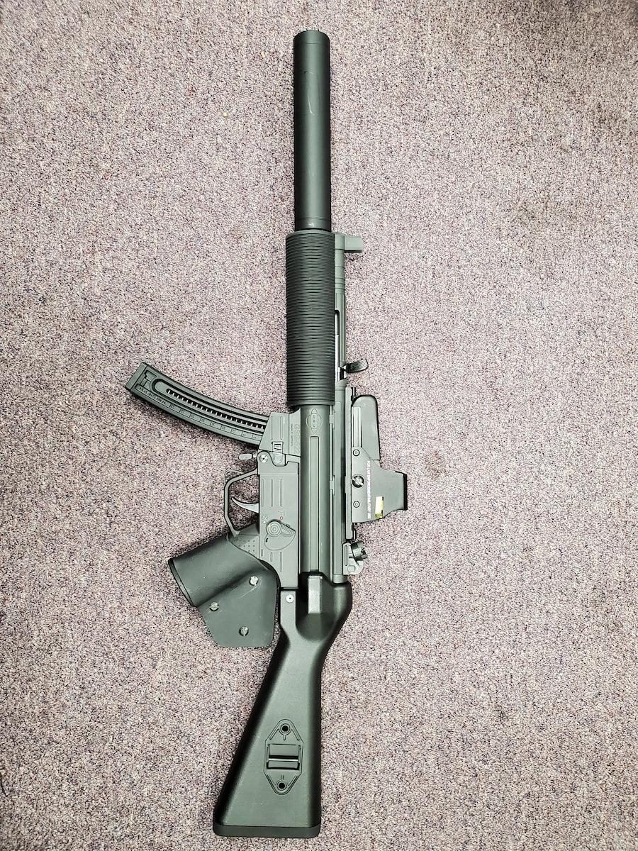GSG GERMAN SPORTS GUNS FEATURELESS HK MP5 CLONE GSG-522 with red dot sight