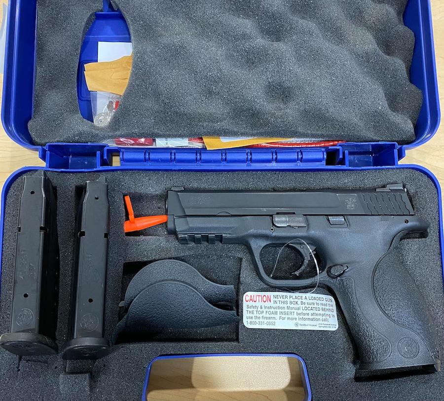 """SMITH AND WESSON m&p 40 """"night sights"""""""