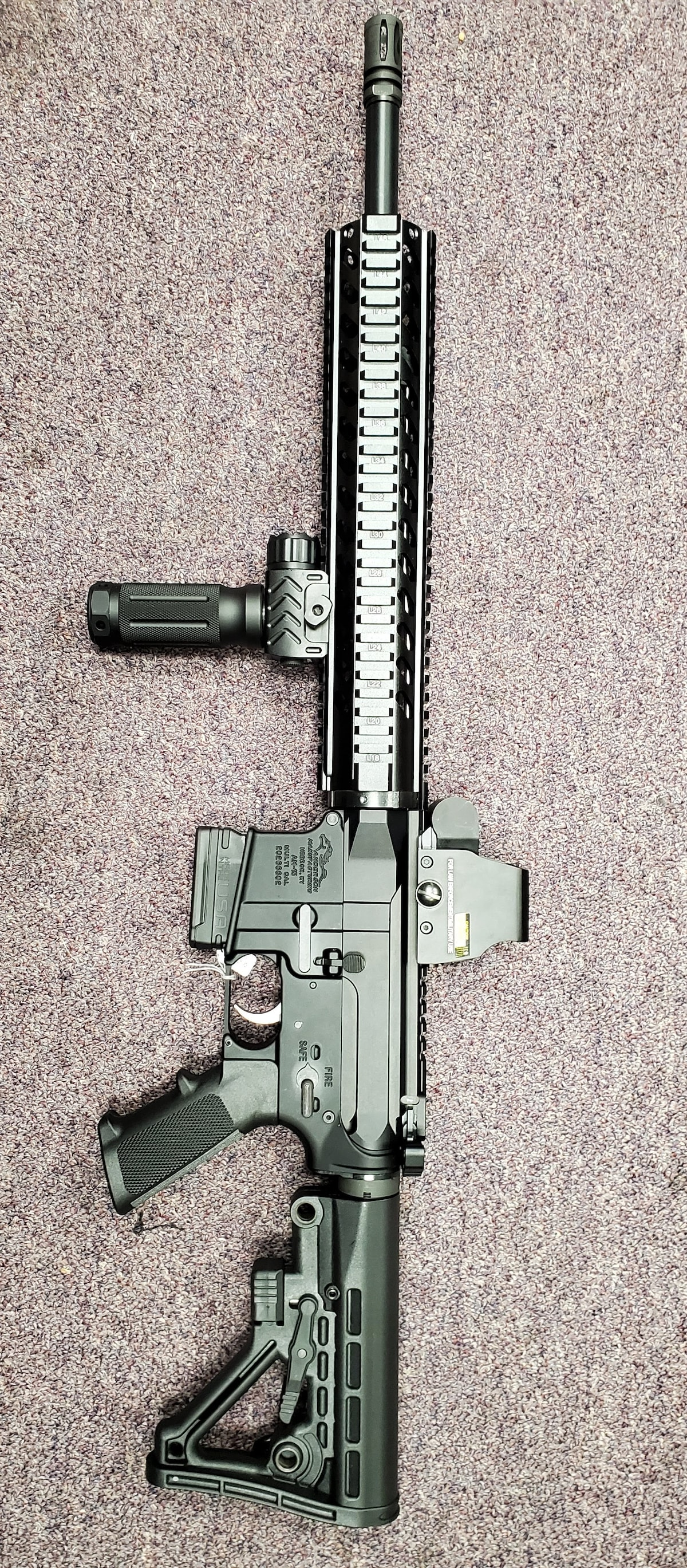 ANDERSON MANUFACTURING fixed magazine m4 ar15 am15 with red dot sight & flashlight grip