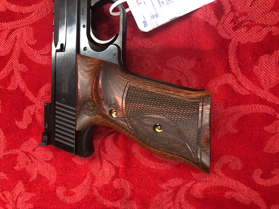 SMITH AND WESSON 41 PERF CENTER