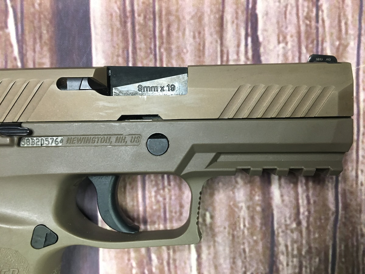 SIG SAUER P320 FDE Compact (with night sights)