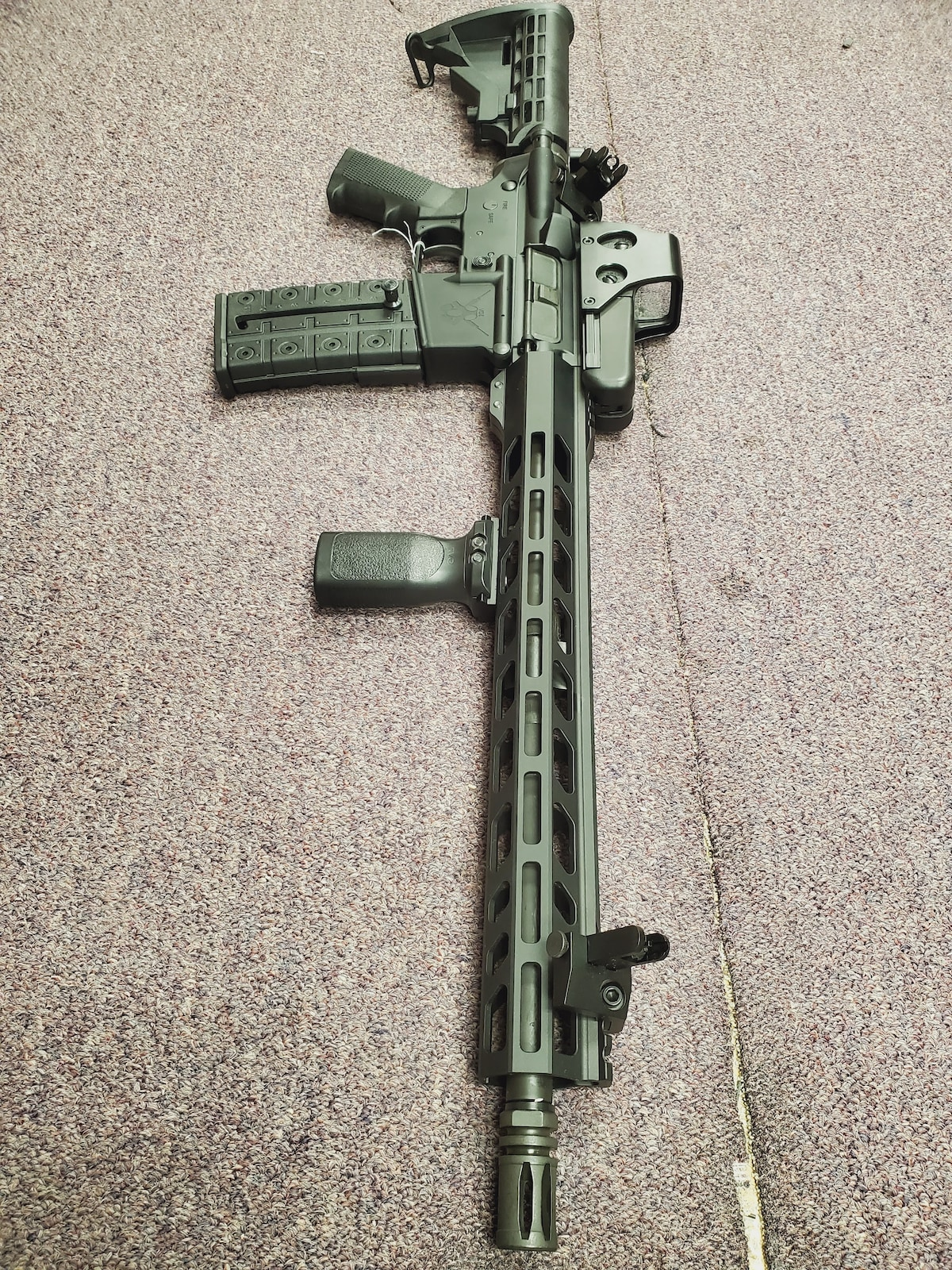ADAMS ARMS Special Edition Fixed Magazine AA-15 with Red Dot & 45 degree iron sight & foregrip package