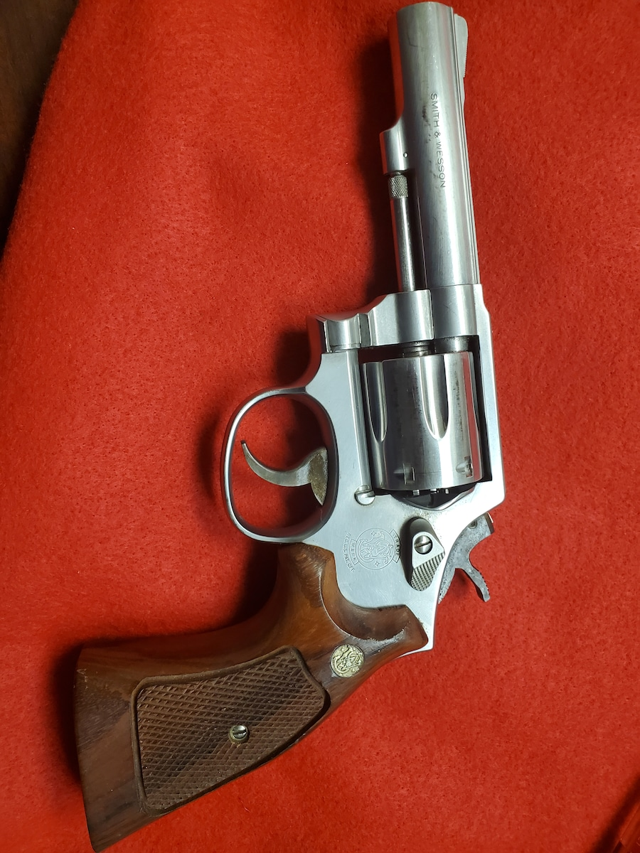 SMITH AND WESSON 64-5
