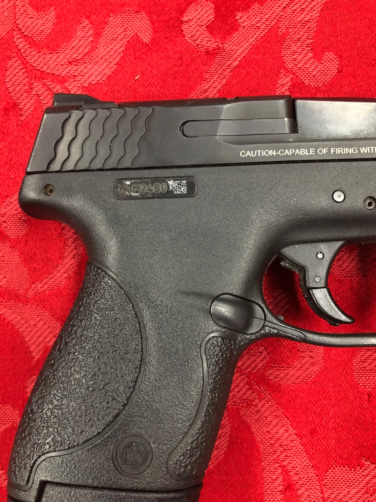 SMITH AND WESSON m&p 40 shield