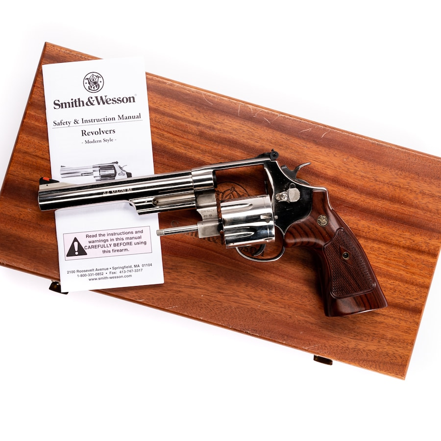 SMITH & WESSON MODEL 29-10