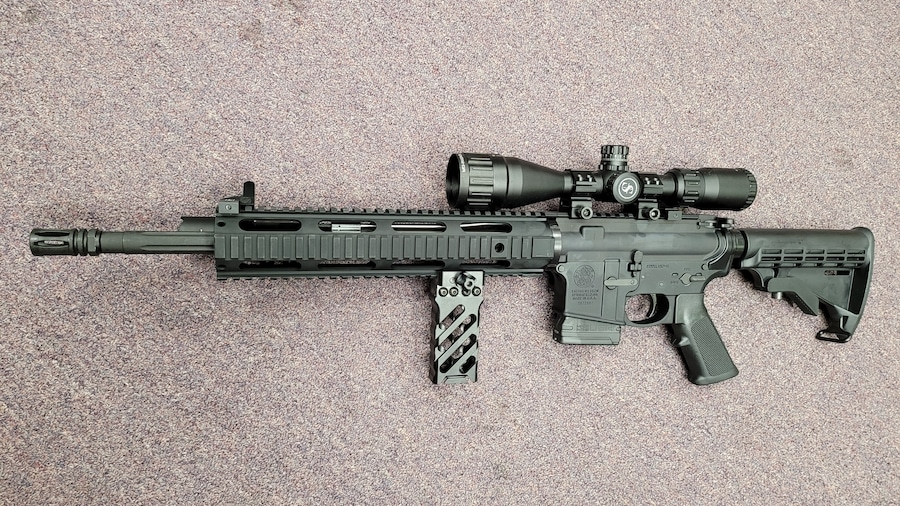 SMITH & WESSON special edition ar15 M&P 15 fully loaded with 10rd or 30rd magazine