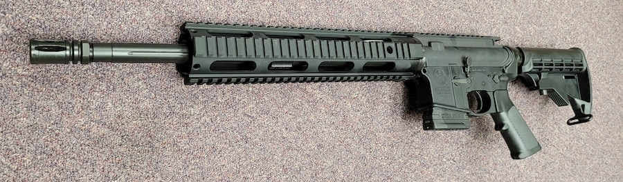 SMITH & WESSON special edition fixed magazine ar 15 M&P 15 with a 10rd magazine