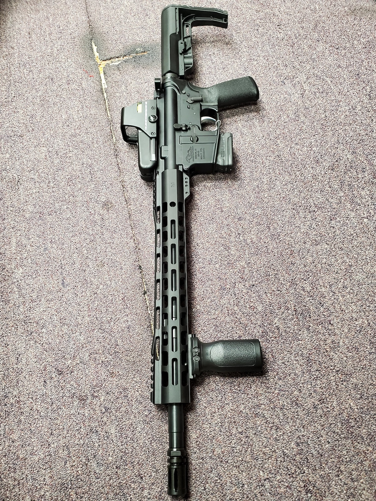 ANDERSON MFG. am15 with red dot sight & forward grip