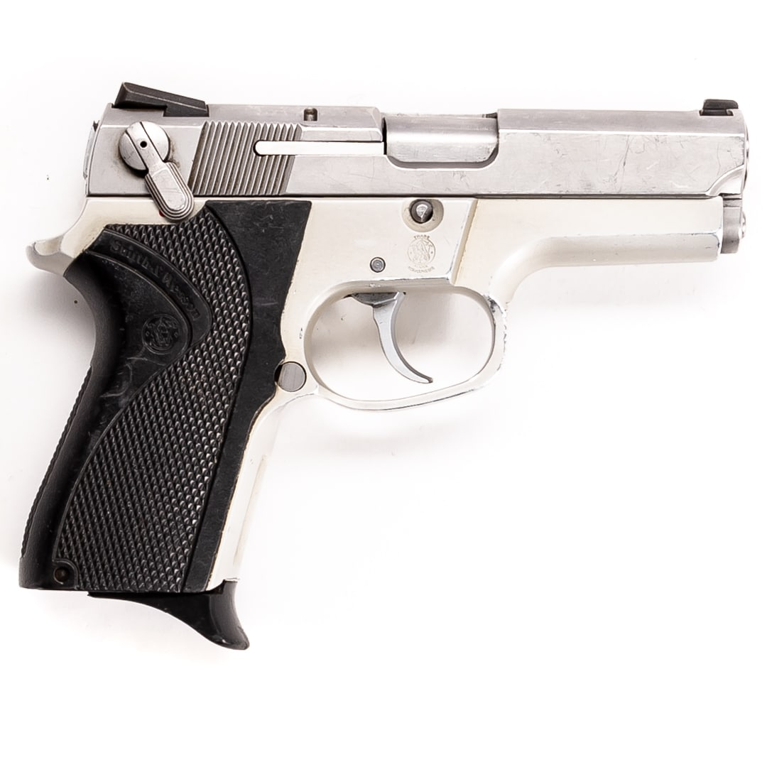 SMITH & WESSON MODEL 6906