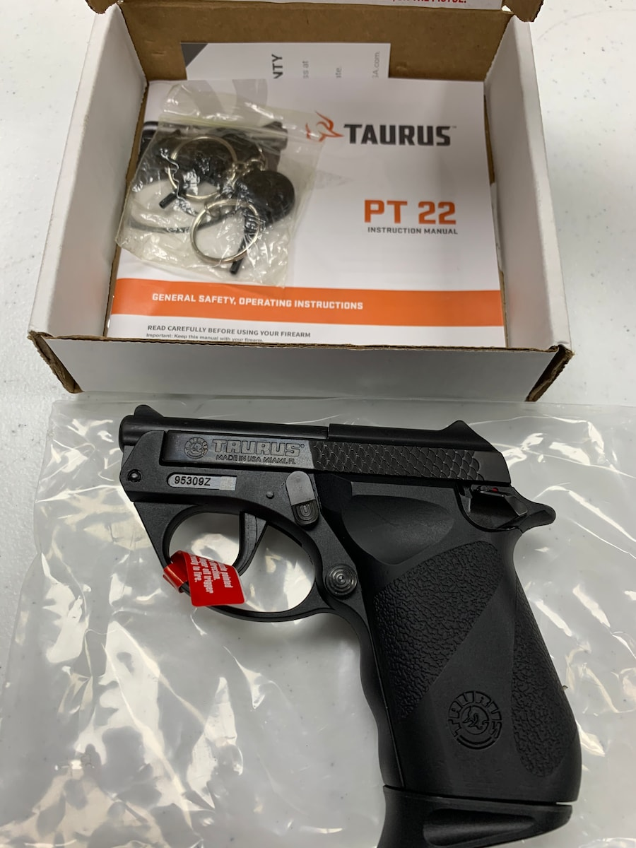 TAURUS PT22 22LR