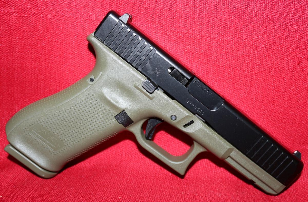 GLOCK 9MM G17 GEN 5 BATTLEFIELD GREEN PA175S203BFG