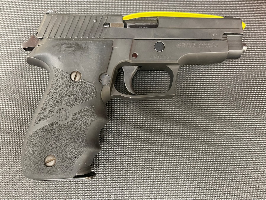 SIG SAUER P226  stainless With night sights(Frame Made in GERMANY)