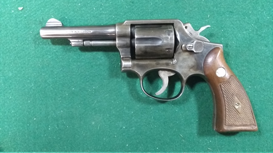 SMITH & WESSON 10-2