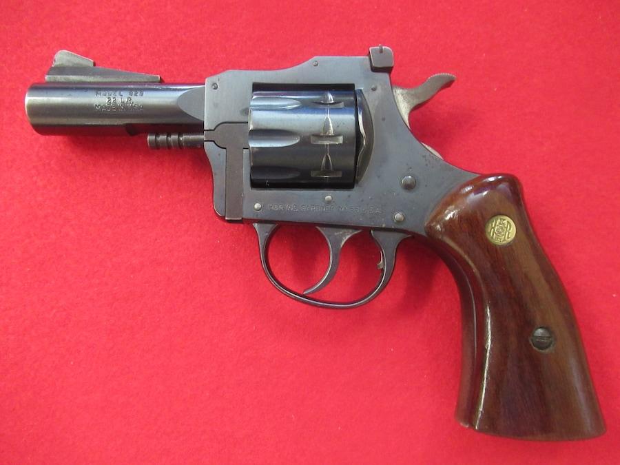 H&R Model 829