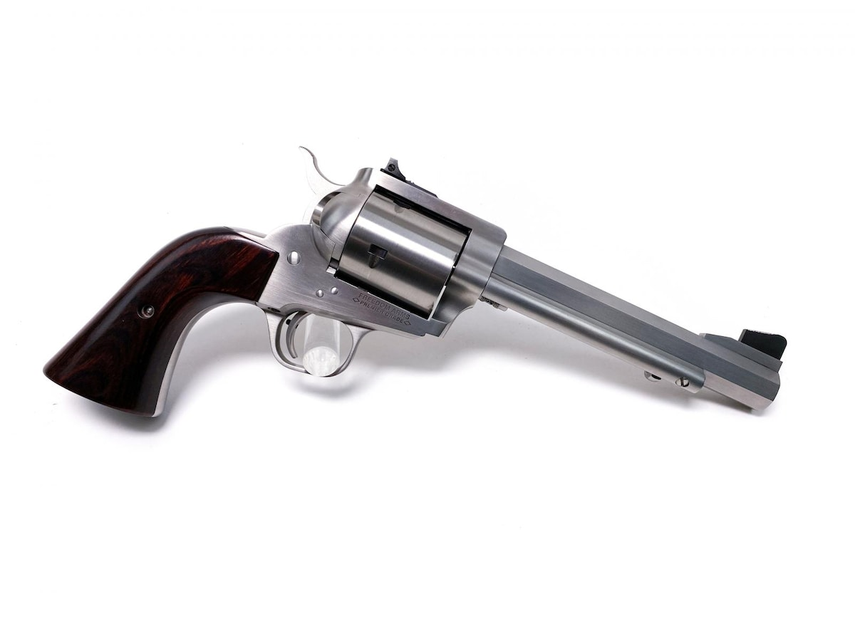 FREEDOM ARMS MODEL 83