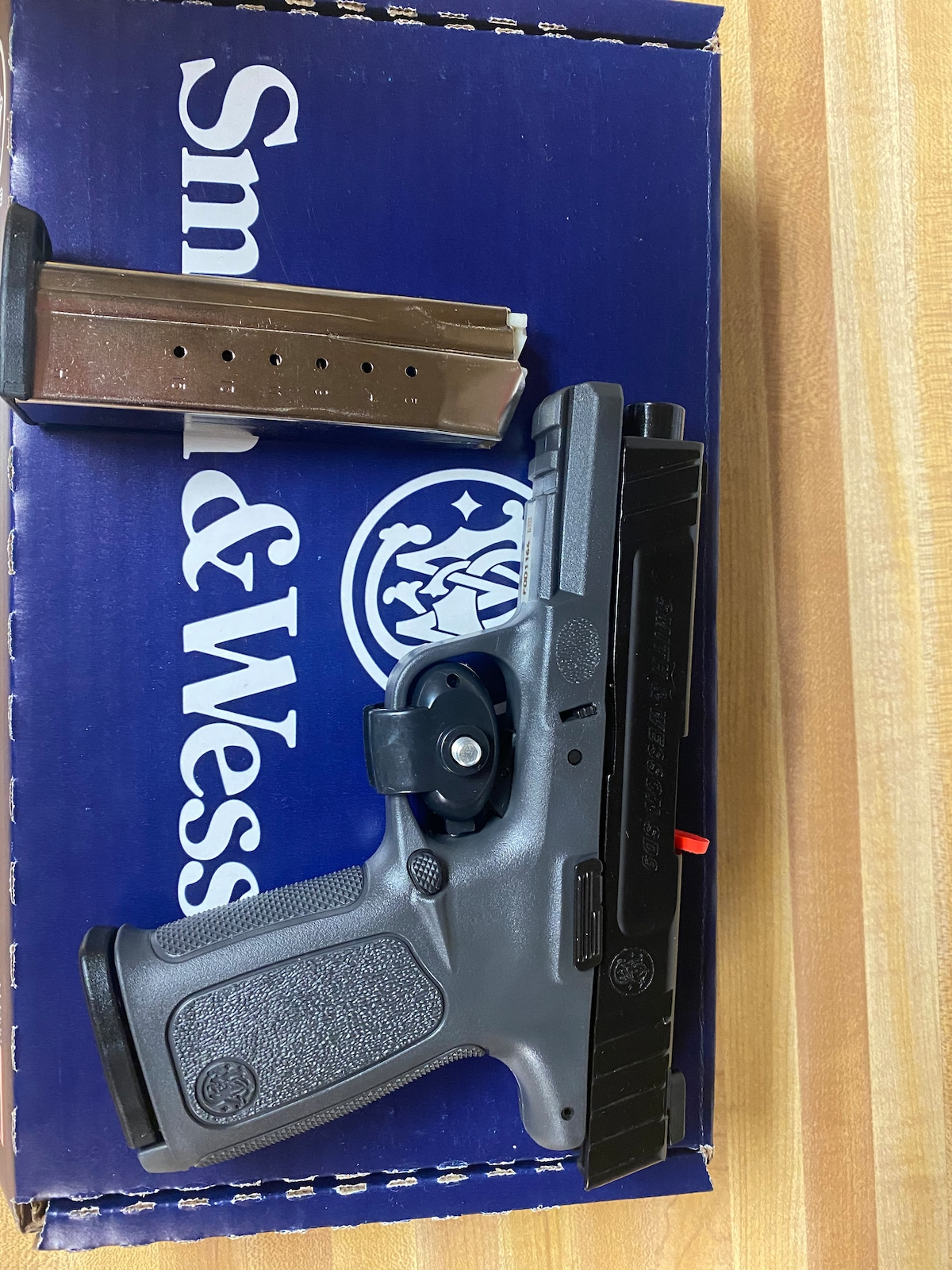 SMITH AND WESSON sd9