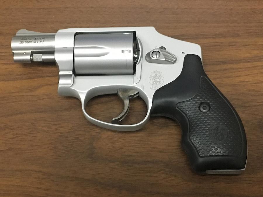 SMITH & WESSON Model 642-2 Airweight Hammerless Revolver