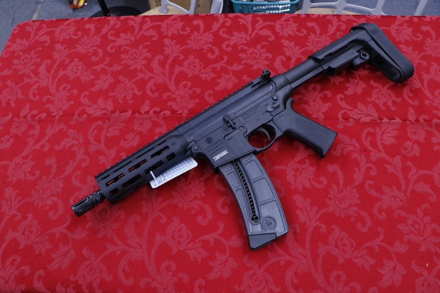 SMITH AND WESSON M & P 1522