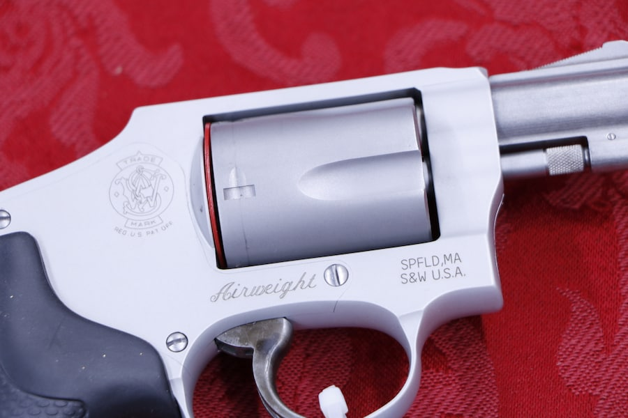 SMITH AND WESSON 642
