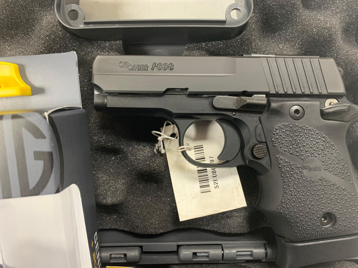SIG SAUER P938 SAS TWO 7-1ROUND MAGAZINES AND POUCH