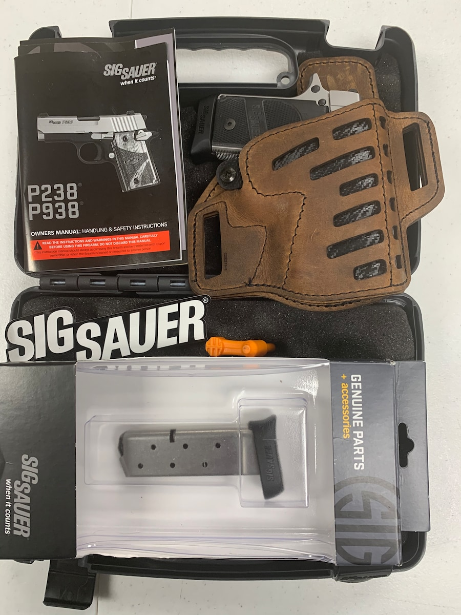 SIG SAUER P238 HD NIGHT SIGHTS TWO 8 ROUND MAGAZINES IN BELT POUCH