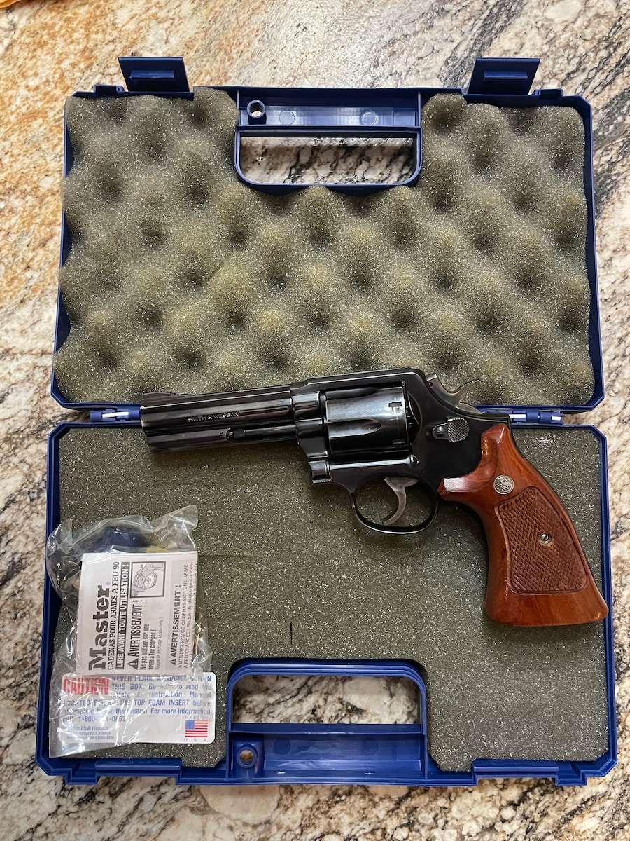 SMITH & WESSON 6865