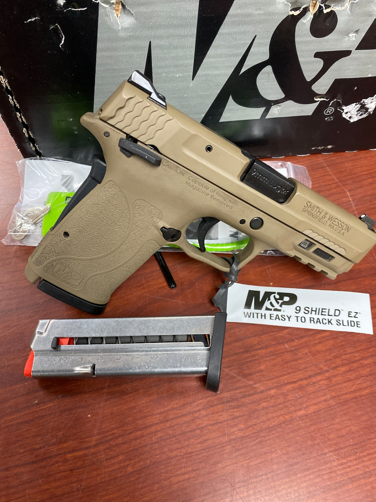 SMITH & WESSON m&p 9 shield ez 13314 fde with thumb safety